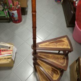 Scaletta antica da libreria
